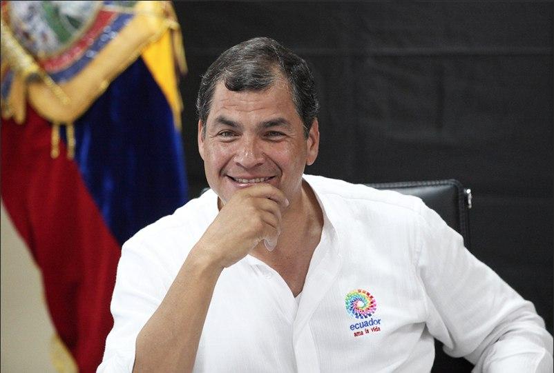 Correa defiende la renegociación de contratos petroleros en su gobierno y la califica como un éxito.